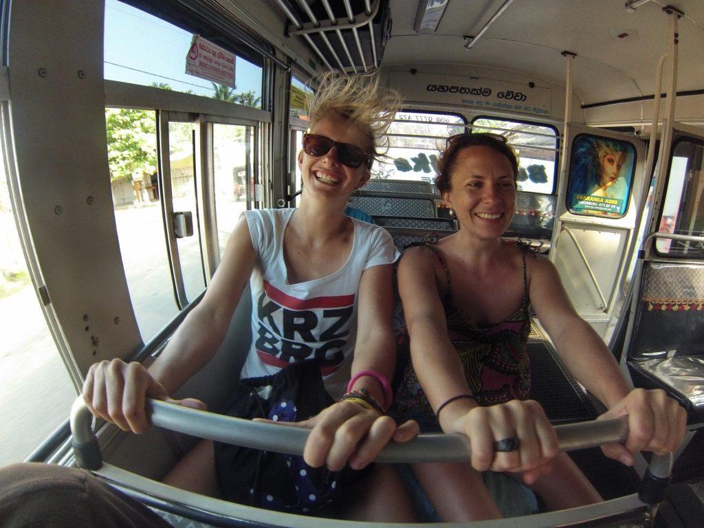 srilanka-bus-ride