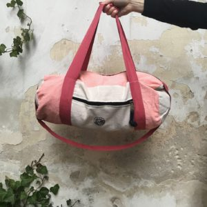 salty-kiss-travelbag-pink