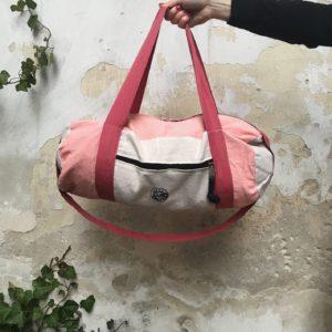 salty-kiss-travelbag-pink